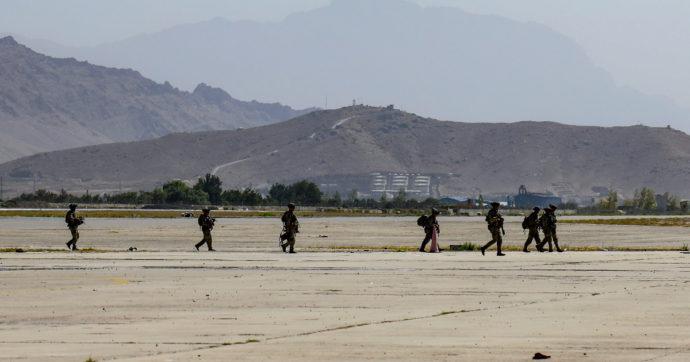 """Afghanistan, Bremmer: """"L'errore più grande? Lasciare Bagram a luglio. Dopo l'attacco Isis a Kabul probabili rappresaglie dagli Usa"""""""