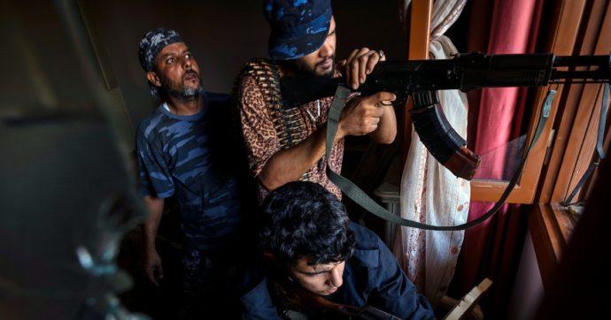 """In Libia si torna a sparare, scontri tra fazioni rivali a Tripoli. Premier Dbeibeh a Cernobbio: """"Inseguiamo il sogno democratico"""""""