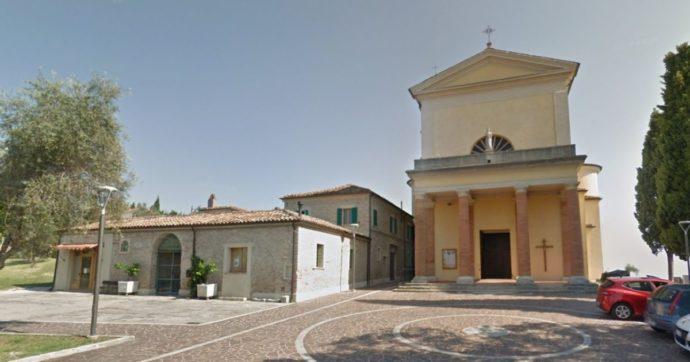 Rimini, coppia di coniugi nominata alla guida di una parrocchia senza prete: è la prima volta. La scelta del vescovo per la crisi di vocazioni