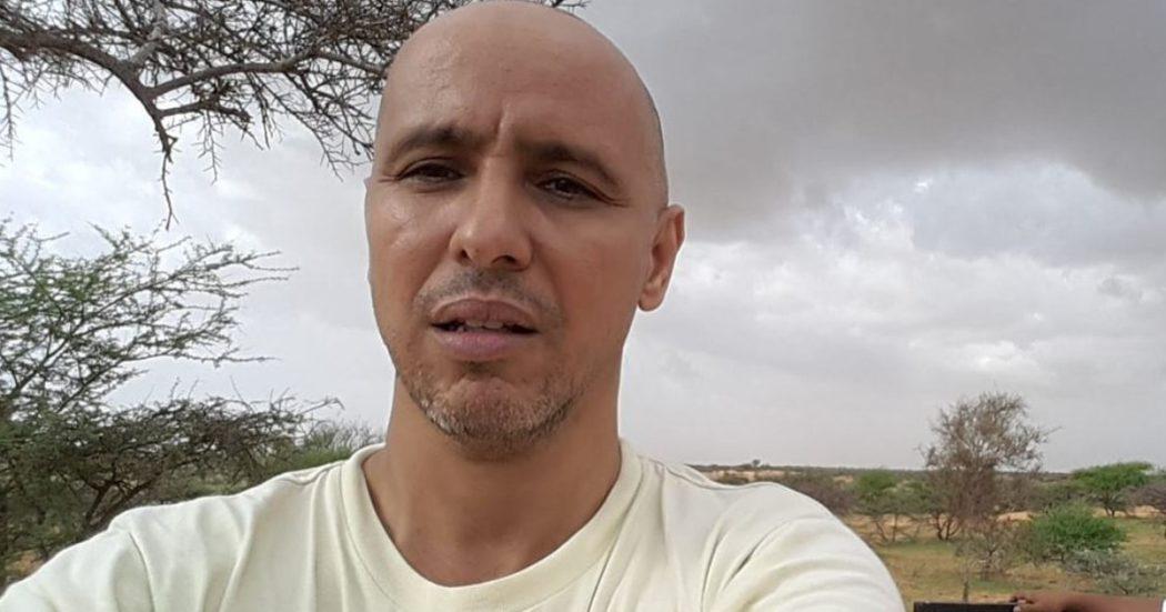 """La vera storia del """"Mauritanian"""": Slahi, detenuto 760 di Guantanamo. Rilasciato senza prove, Berlino gli nega di ricongiungersi alla famiglia"""