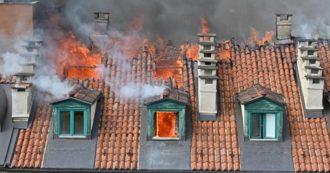 """Torino, incendio in un palazzo del centro città: un centinaio di evacuati e 5 feriti. """"Esplose anche alcune bombole gas"""""""