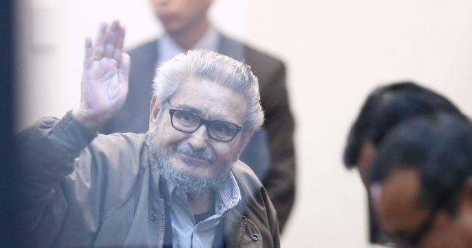 Perù, è morto Abimael Guzmán, il fondatore ed ex leader del gruppo terroristico Sendero Luminoso
