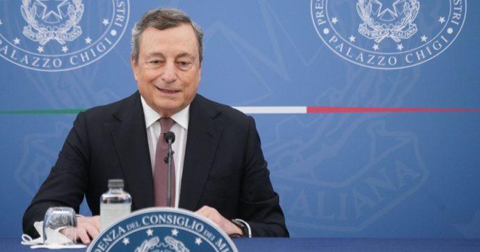 Green pass, entro una settimana un altro passo di Draghi per estendere l'obbligo a dipendenti pubblici e privati (come ristoranti e palestre)