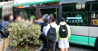 Scuola, a Brescia pullman pieni di studenti: impossibile garantire il distanziamento – Video