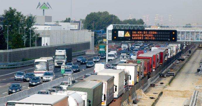 Autostrade, dal 15 settembre via ai rimborsi in caso di ritardi dovuti ai cantieri lungo la rete. Ecco come funzionerà (e attenzione alle regole)