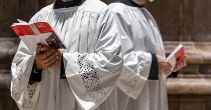"""""""Festini a base di sesso e droga dello stupro acquistata con le offerte dei fedeli della Chiesa"""": arrestato un sacerdote a Prato"""