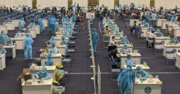 Variante Delta, il Vietnam in ginocchio e città in lockdown duro: solo il 6% della popolazione ha terminato il ciclo vaccinale