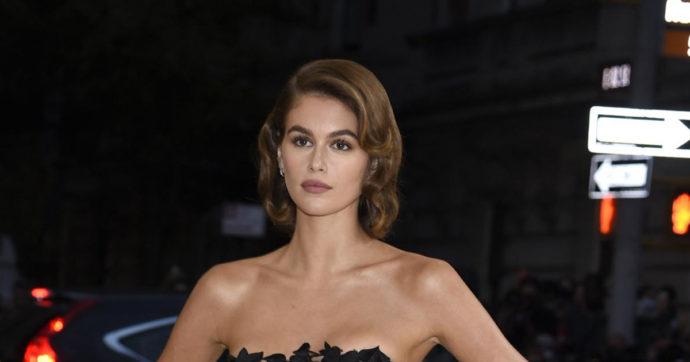 """Met Gala 2021, incidente sexy per Kaia Gerber: il dettaglio """"hot"""" immortalato dai fotografi"""