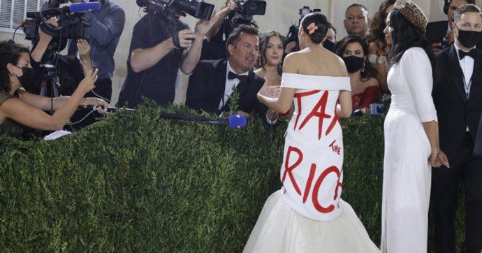 """Fisco, lo studio: """"Ridurre le tasse ai ricchi non genera crescita né lavoro"""". E negli Usa fioccano le proposte di patrimoniale in nome dell'equità"""