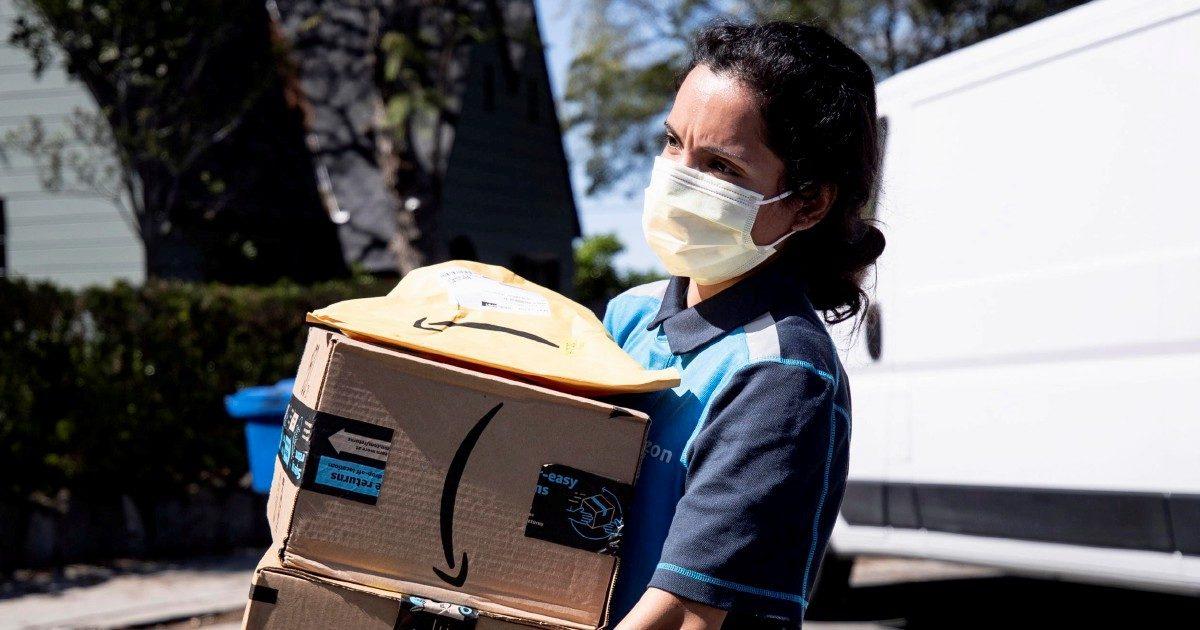 I tormenti del  pacco capitalista: Amazon, mail a vuoto e cinesi