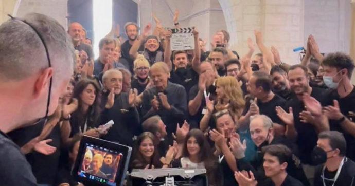 Don Matteo, la commozione di Terence Hill alla fine delle riprese: dice addio alla fiction dopo 20 anni  – FOTO