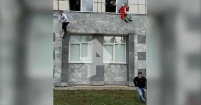 Russia, sparatoria nell'Università di Perm: almeno sei morti e dieci feriti. L'assalitore trasportato in ospedale