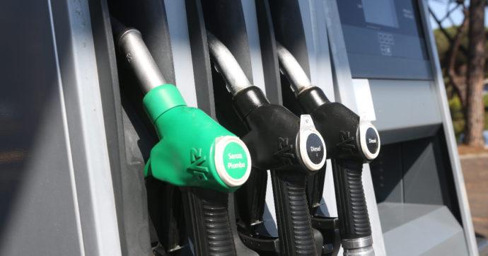Nuovi rincari per la benzina, sui massimi da 7 anni. Un pieno costa 11 euro in più rispetto allo scorso gennaio
