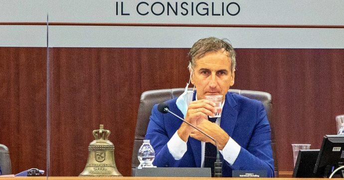 Tre addii a Forza Italia per passare alla Lega: con Salvini anche il presidente del Consiglio regionale della Lombardia