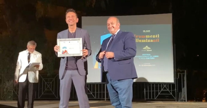 Festival del libro di Catania, Andrea Scanzi vince il premio della critica con il suo 'Demolition Man'