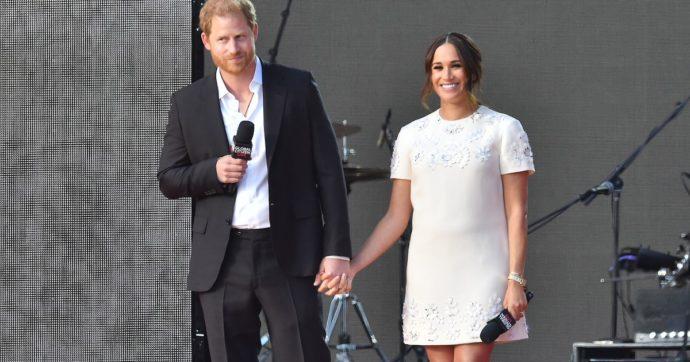 Global Citizen, un'ovazione per il principe Harry e Meghan Markle: la duchessa conquista Central Park con il miniabito di Valentino