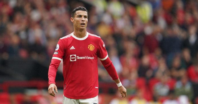 """Cristiano Ronaldo, il campione impone la sua dieta agli chef del Manchester United e fa arrabbiare i compagni: """"Troppe proteine"""""""