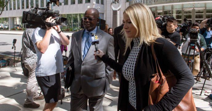 R. Kelly giudicato colpevole di abusi sessuali anche su minorenni: rischia l'ergastolo
