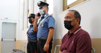 """Mimmo Lucano condannato a 13 anni e 2 mesi, quasi il doppio della richiesta dei pm. L'ex sindaco di Riace: """"Neanche un mafioso"""""""
