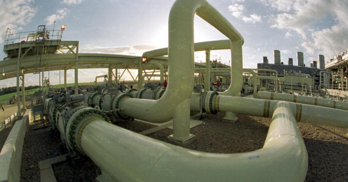 Italia, Repubblica fondata sul gas: meno consumi ma la rete cresce (e i comitati vanno in procura)