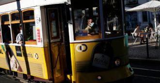 Sciopero generale dei sindacati di base, a Roma chiusa la metro C e a Napoli ferme due funicolari. Alitalia cancella 127 voli