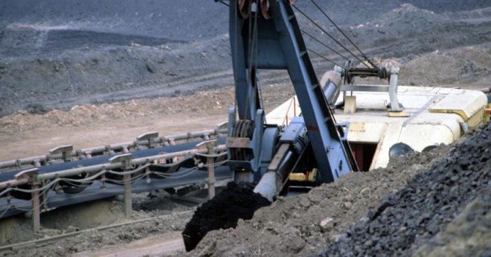 La Cina punta sul carbone per superare la crisi energetica. Arrivederci agli impegni ambientali sbandierati da Pechino