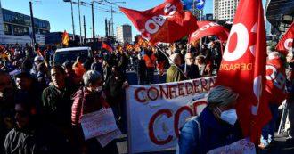 Sciopero generale, cortei in tutta Italia: la protesta da Roma a Milano e Torino. Circa 1000 Si Cobas bloccano magazzino Amazon a Piacenza
