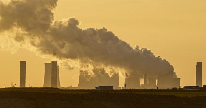Transizione verde, successo per i green bond europei. Ma Francia e altri 8 paesi puntano sul nucleare mentre Londra torna al carbone