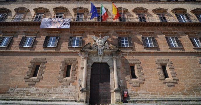 Sicilia, il convegno organizzato in Assemblea regionale da chi paragona il green pass al nazismo: tra gli ospiti anche un assessore