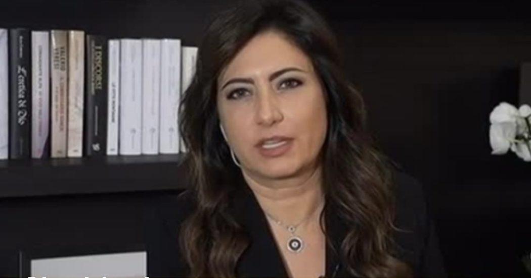 """Cristina Scocchia della Kiko: """"Chi non si vaccina paghi le spese della sua decisione"""". Burioni: """"Domani compro cosmetici uomo, bravi"""""""