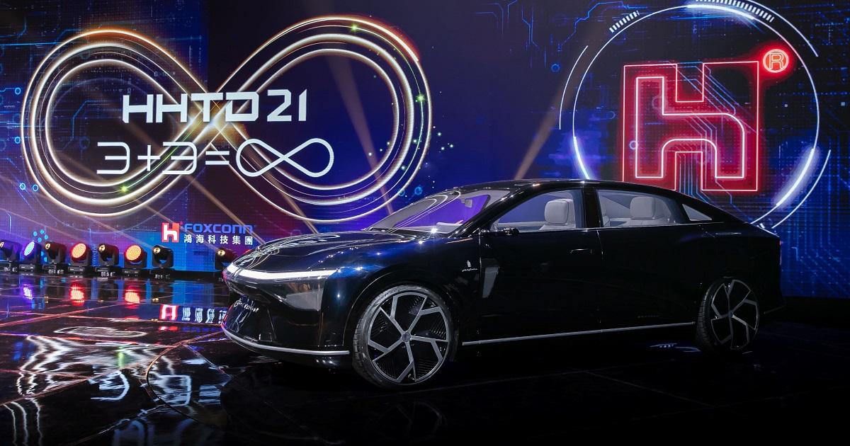 "Hon Hai Technology Group (Foxconn) svela la sua ""Model E"", sviluppata insieme a Pininfarina – FOTO"