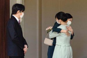 """Mako, la principessa ribelle del Giappone si è sposata con il fidanzato Kei Komuro: """"Abbiamo ascoltato i nostri cuori"""". L'addio alla Casa Reale"""